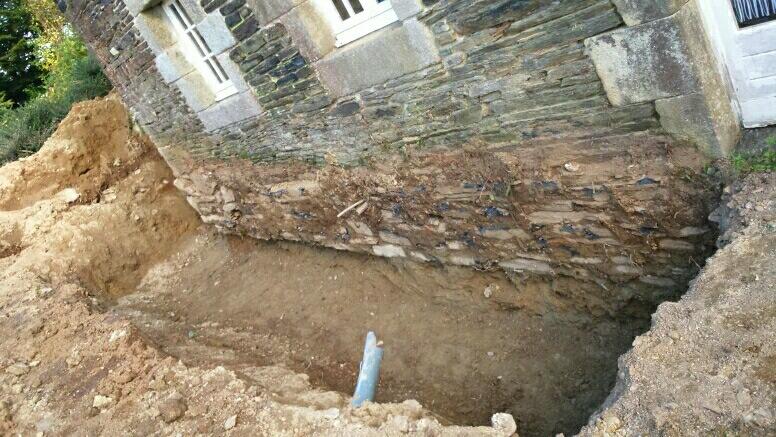 maçonnerie rénovation pierres,reprise sous oeuvre etanchéitée soubassement ,maçon à surzur sa4