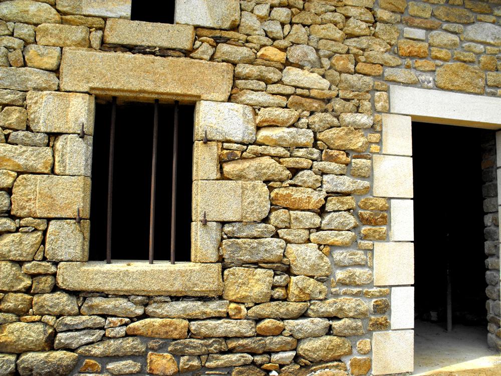maçon à surzur rénovation maçonnerie pierres jyb3