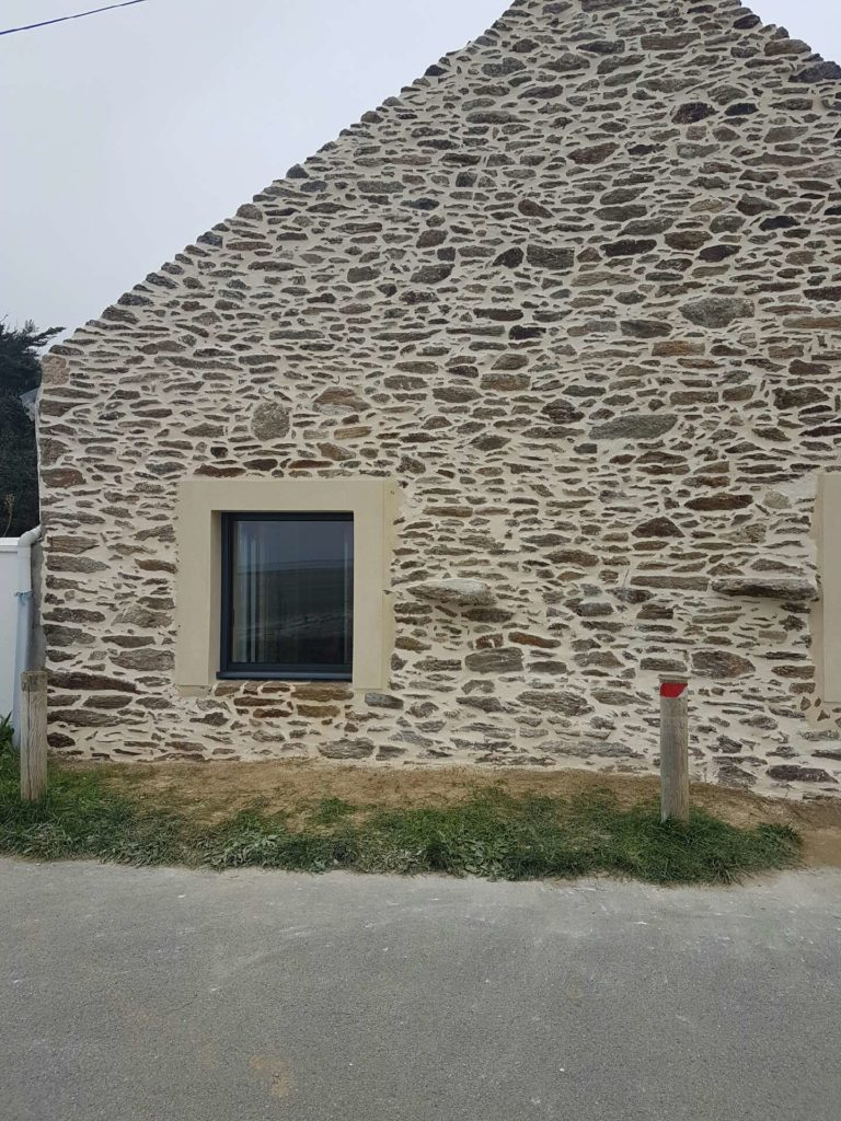 maçon à surzur rénovation pierres ban1